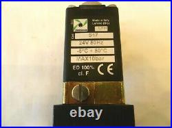Pneumax Solenoid Valve 424/1.52.0.12. S17 Complete With Two Pilots & 24 Vac Coils
